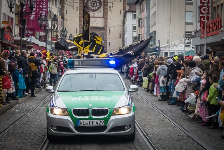 Name:  Polizei_Fasching_Symbolfoto_2-5-620x414.jpg