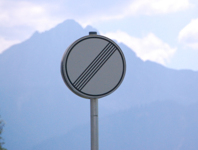 Name:  autobahn-end-of-restrictions-sign.jpg Views: 6821 Size:  83.5 KB