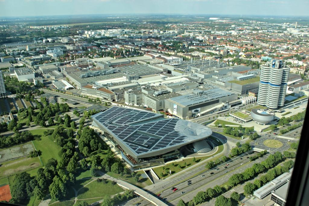 Name:  BMW Welt and Museum and WERK  IMG_8928.jpg Views: 2382 Size:  179.6 KB