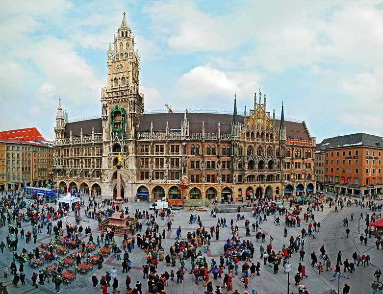 Name:  Marienplatz3279647691965_569965791_n.jpg Views: 2395 Size:  125.8 KB