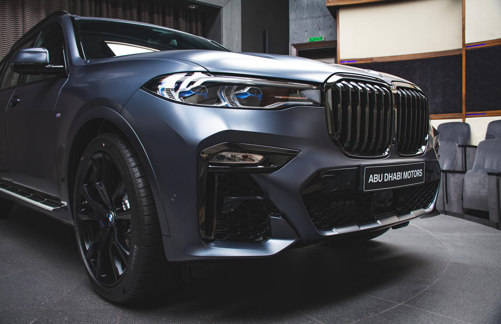 Name:  BMW-X7-Dark-Shadow-Edition-Frozen-Arctic-Grey-G07-M-Sport-Abu-Dhabi-01.jpg Views: 9239 Size:  392.0 KB