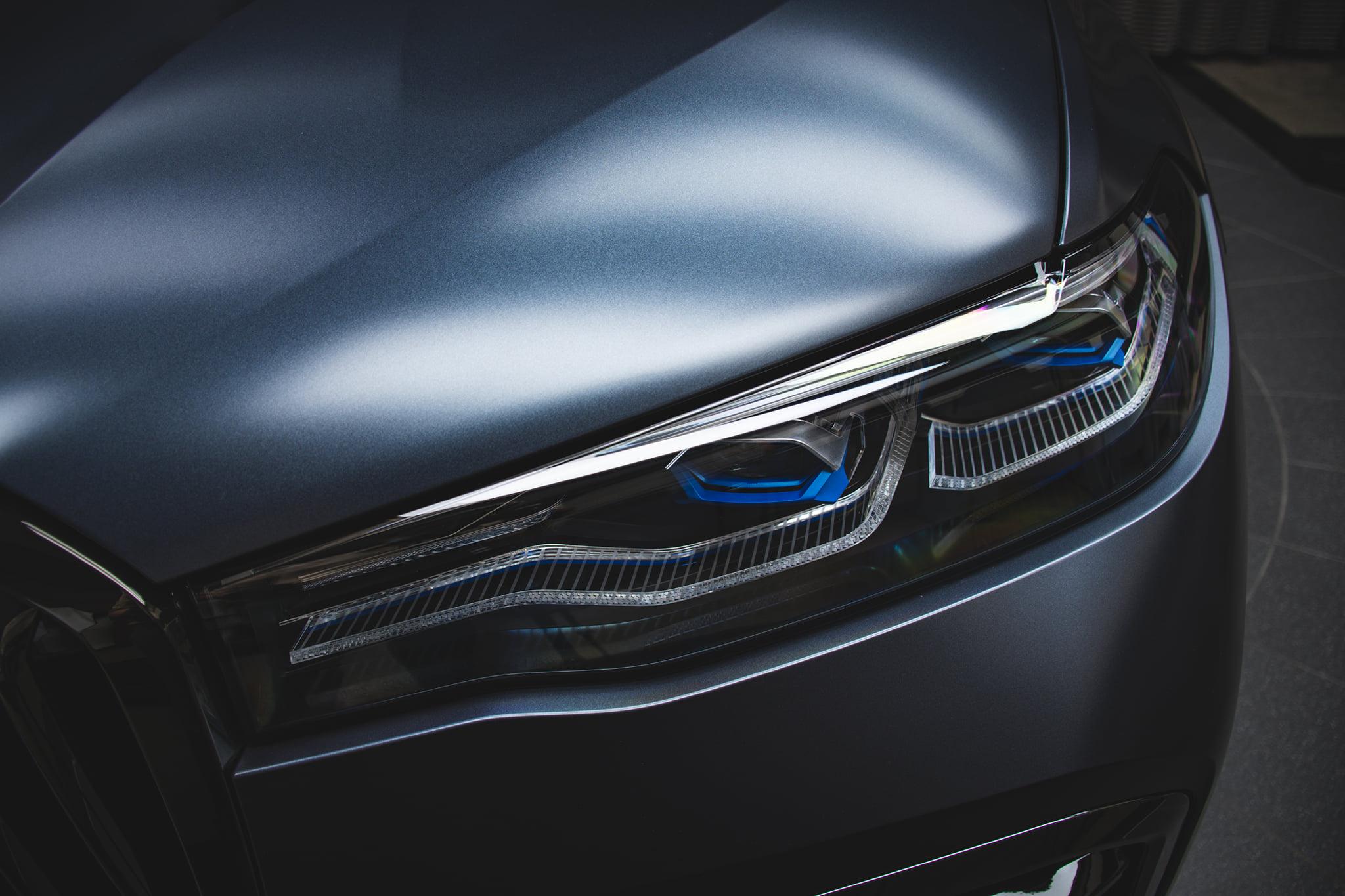 Name:  BMW-X7-Dark-Shadow-Edition-Frozen-Arctic-Grey-G07-M-Sport-Abu-Dhabi-05.jpg Views: 8999 Size:  343.2 KB