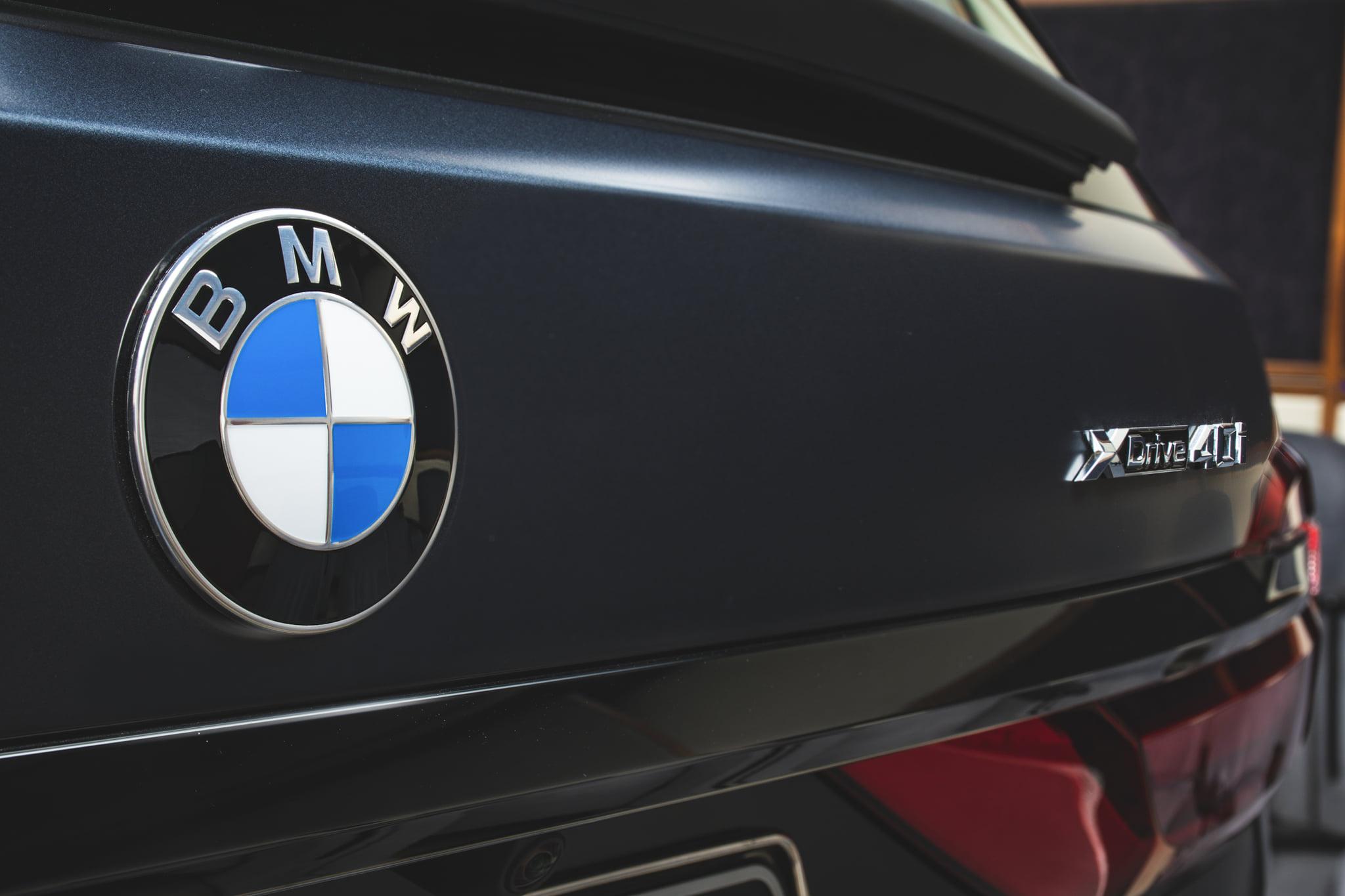 Name:  BMW-X7-Dark-Shadow-Edition-Frozen-Arctic-Grey-G07-M-Sport-Abu-Dhabi-06.jpg Views: 8959 Size:  205.4 KB